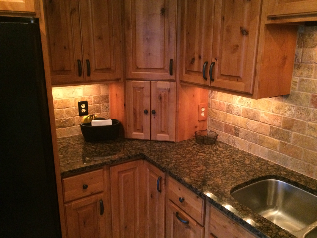 tropical brown granite with maple cabinets - Google Search ... on Maple Cabinets With Backsplash  id=21161