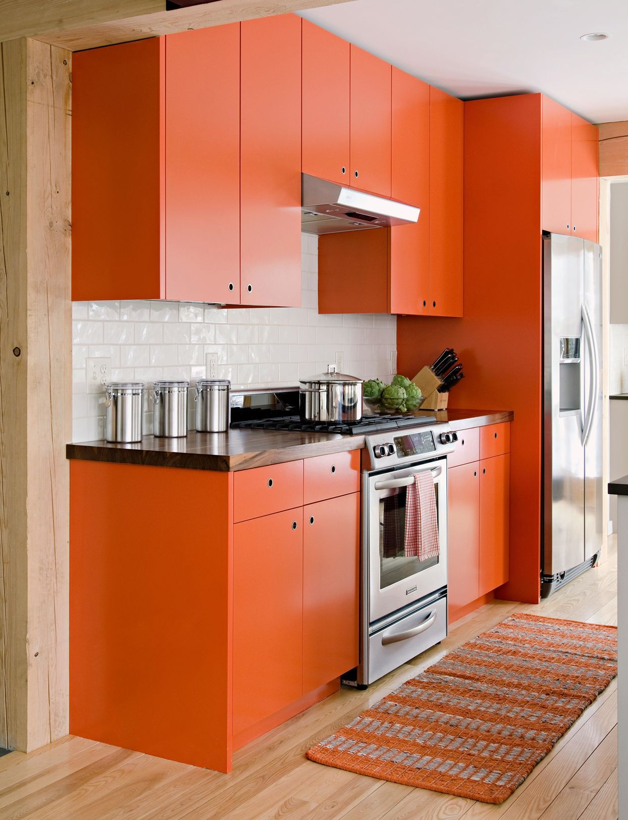 19 Popular Kitchen Cabinet Colors With Long Lasting Appeal In 2020 Kitchen Cabinet Colors Kitchen Cabinets Bold Kitchen