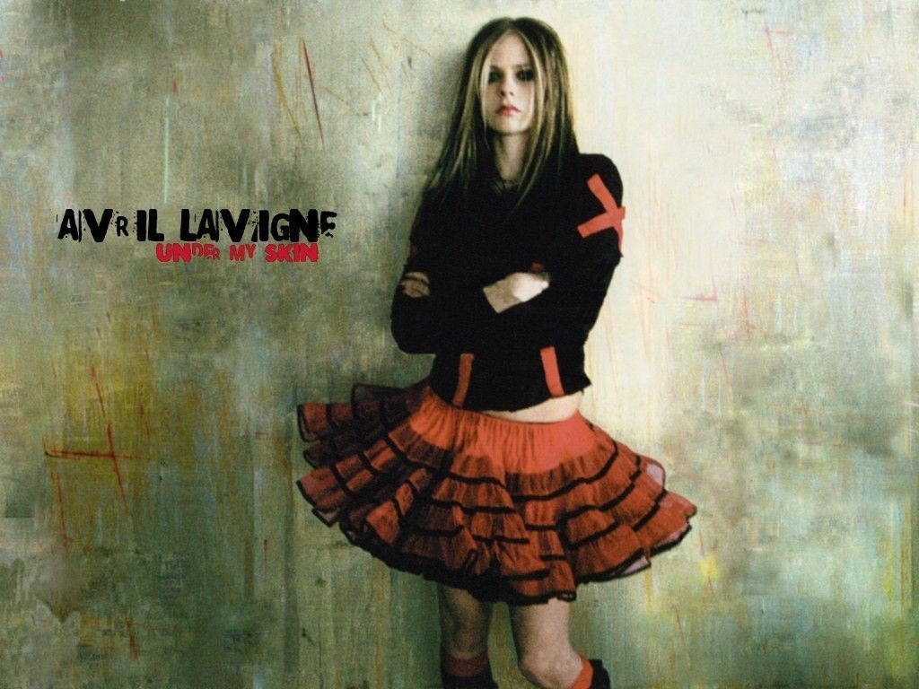 c42228772 Pin by Stephanie Haring on Avril | Avril lavigne, Rocker style, Fashion
