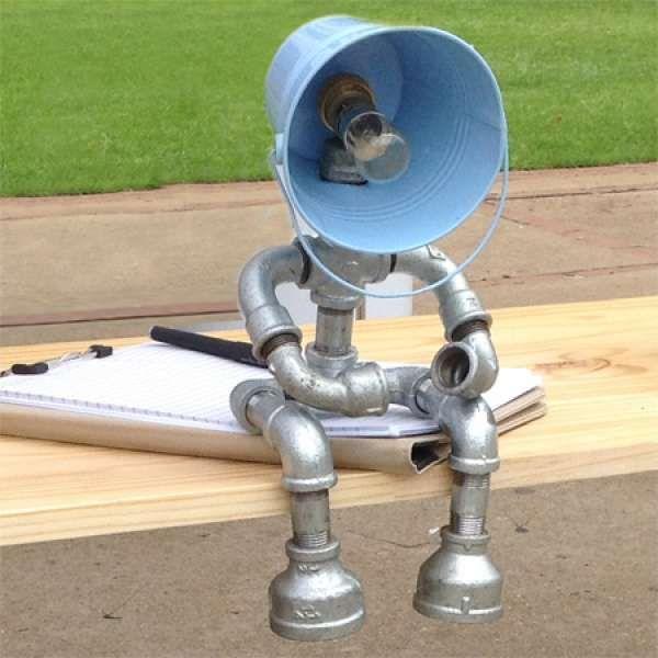 Diy diva makes galvanised pipe lamps designmind great for Diy pipe lamp