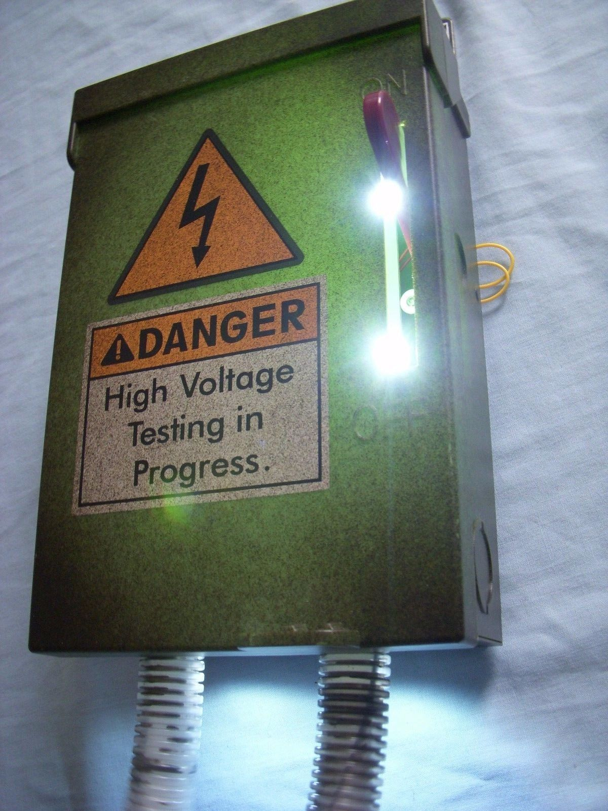 109ce1015ce1c16ef47721cf5f2cc0af haunted house prop animated high voltage fuse box realistic motion