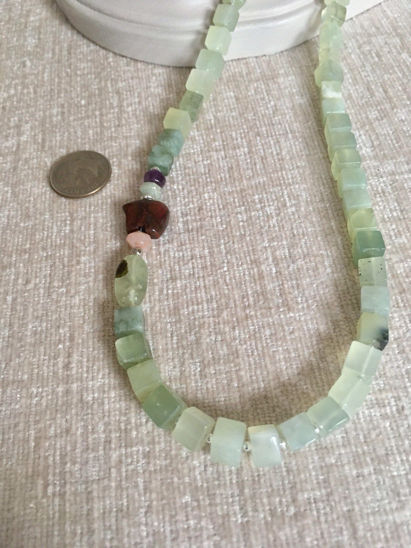 Minimalist Bear Pendant Beaded Necklace
