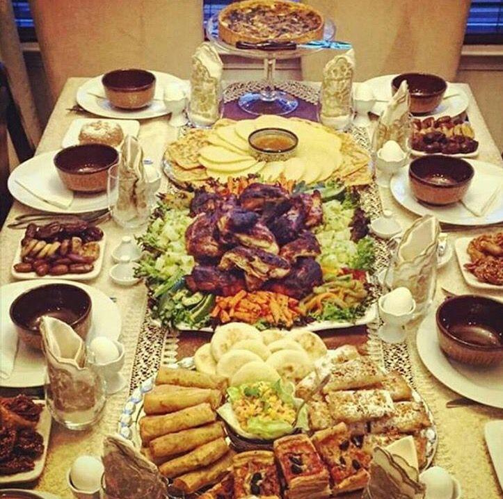 Pin van hajoerra op food tables in 2018 pinterest cuisine marocaine repas en cuisine arabe - Table cuisine pin ...