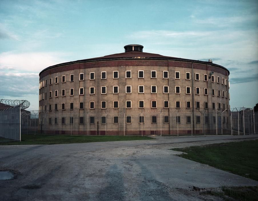Stateville Prison F House Usa With Images Abandoned Prisons