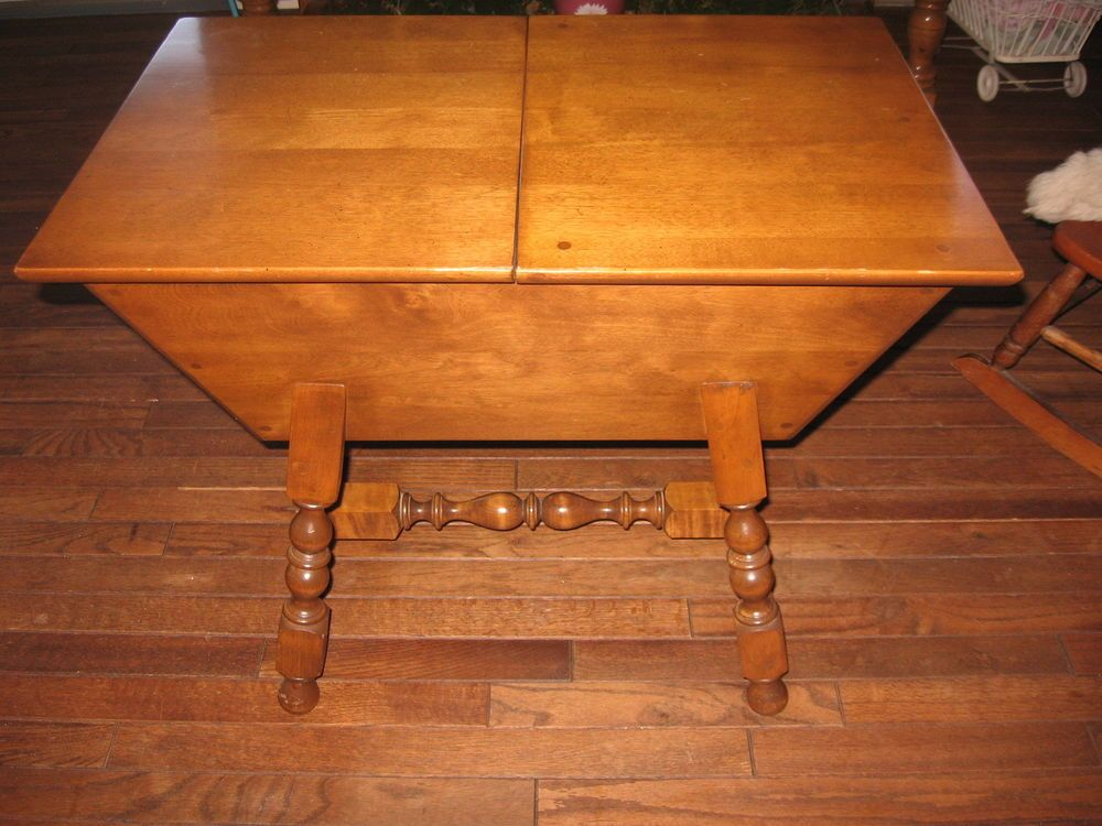 Vintage Vermont MidCentury Townshend Vt Furniture Solid Wood Dough Box End  Table #TownshendVermontFurnitureCompany
