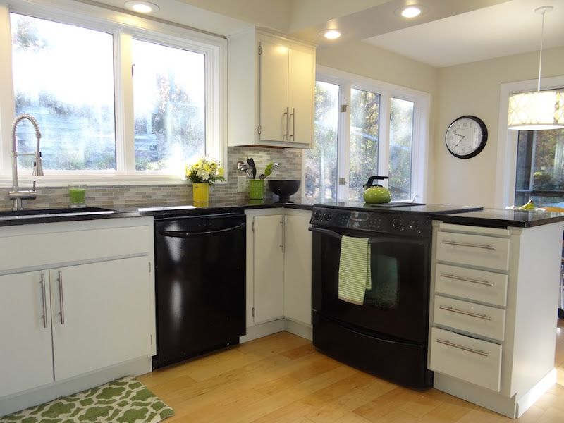 kitchen with black appliances and white cabinets - Google Search ...