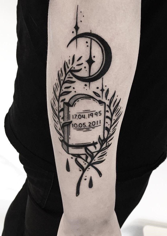 33 Bold Illustrations Blackwork Tattoos Blackwork Tattoo Tattoos Sleeve Tattoos