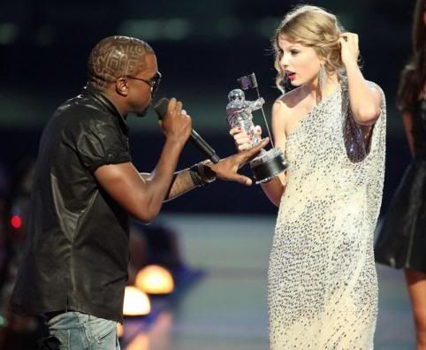 Kanye West Taylor Swift Rode The Waves Of Vma Scandal To Success Taylor Swift Kanye West Taylor Swift Vma Kanye West