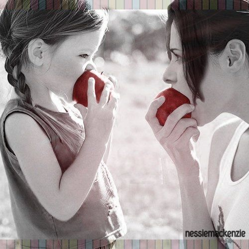 Twilight apples. This is so cute. :D