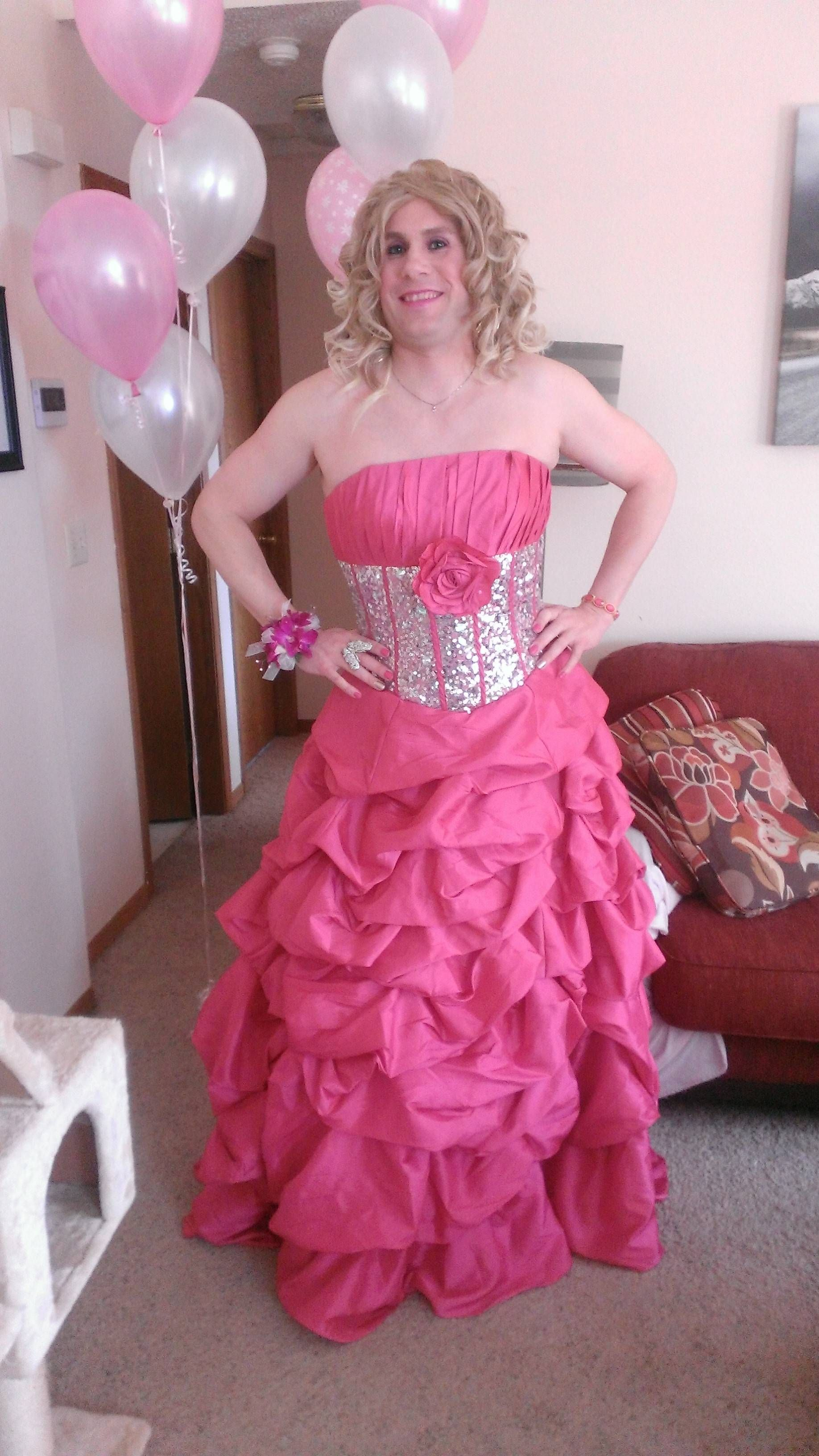 Prom Gowns, Evening Dresses, Crossdressers, Evening Gowns, Party Wear Dresses,