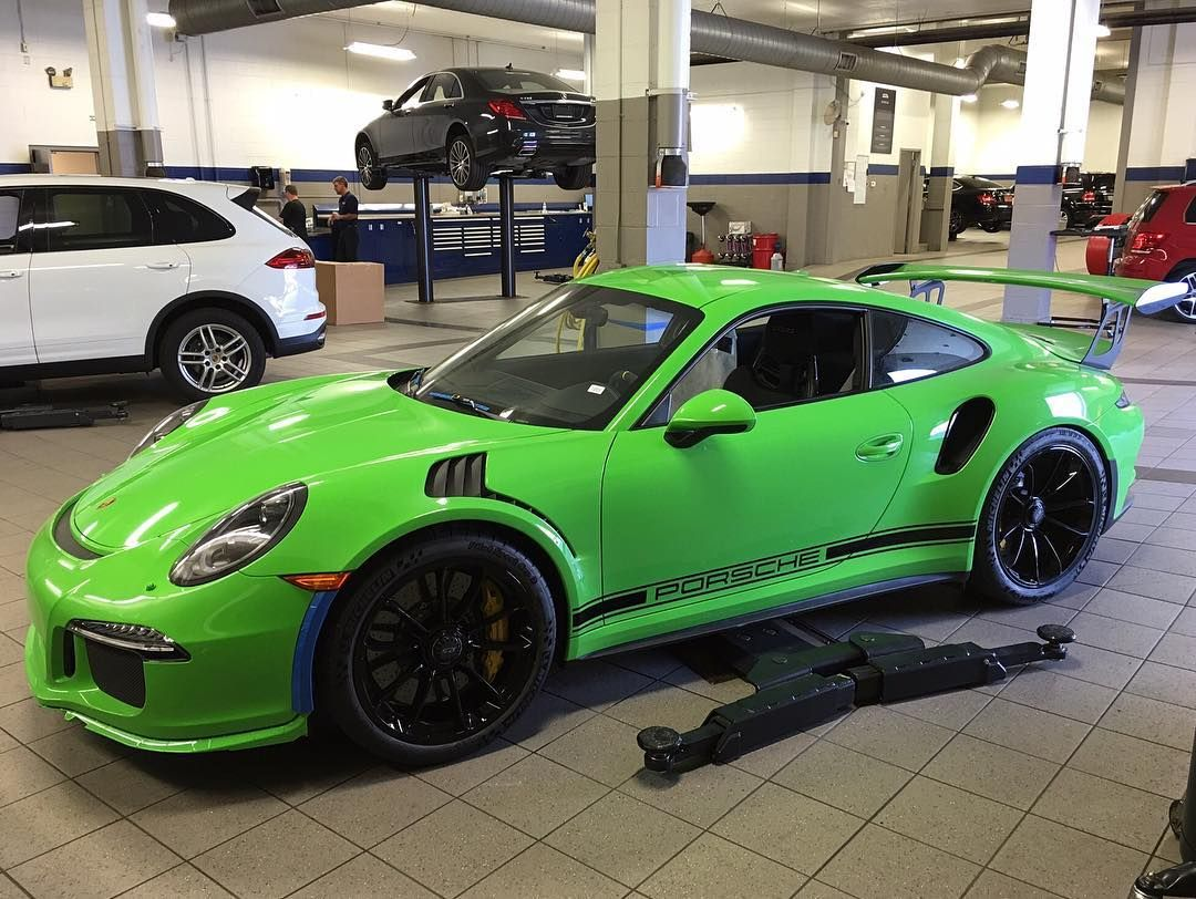another pts gelbgr n green yellow uni 137 991 gt3 rs has landed in the us at isringhausen. Black Bedroom Furniture Sets. Home Design Ideas