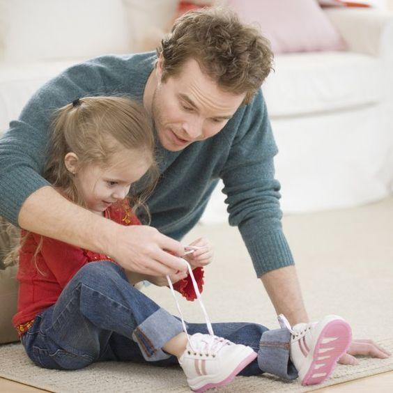 So Lernen Kinder Schnürsenkel Binden (mit Bildern