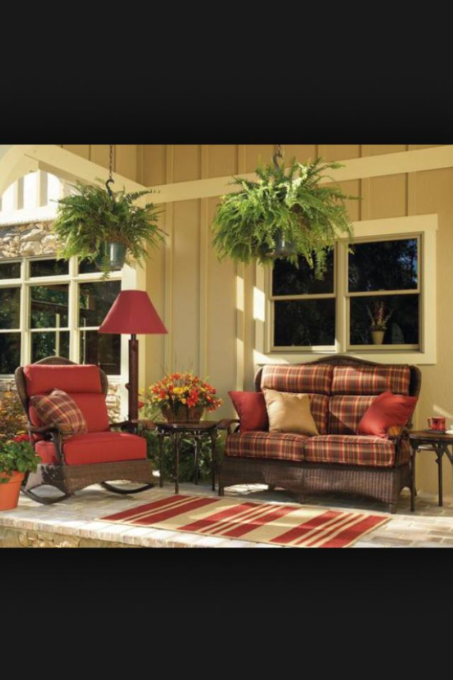Front porch decorating ideas from around the country for Country decorating ideas on a budget