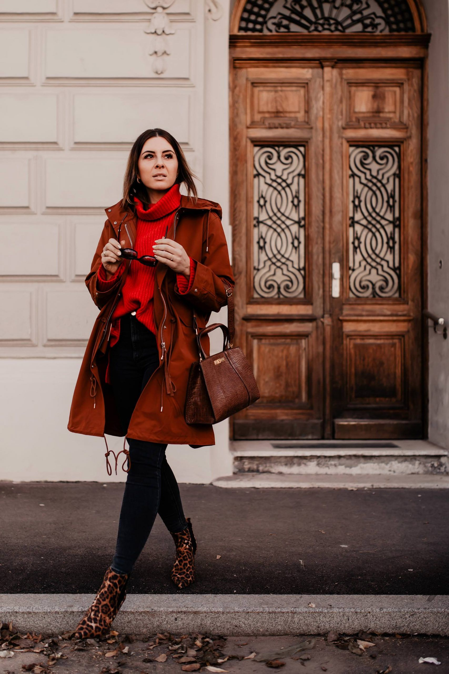 Photo of Parka outfit with turtleneck sweater, skinny jeans and leo ankle boots