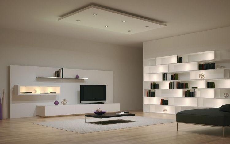 Moderne Wohnwand Mit Angenehmer Beleuhtung In Weiß