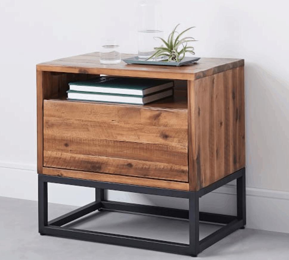 Diy Reclaimed Pallet Wood Nightstand West Elm Knockoff Diy Huntress Furniture Wood Nightstand Vintage Industrial Furniture