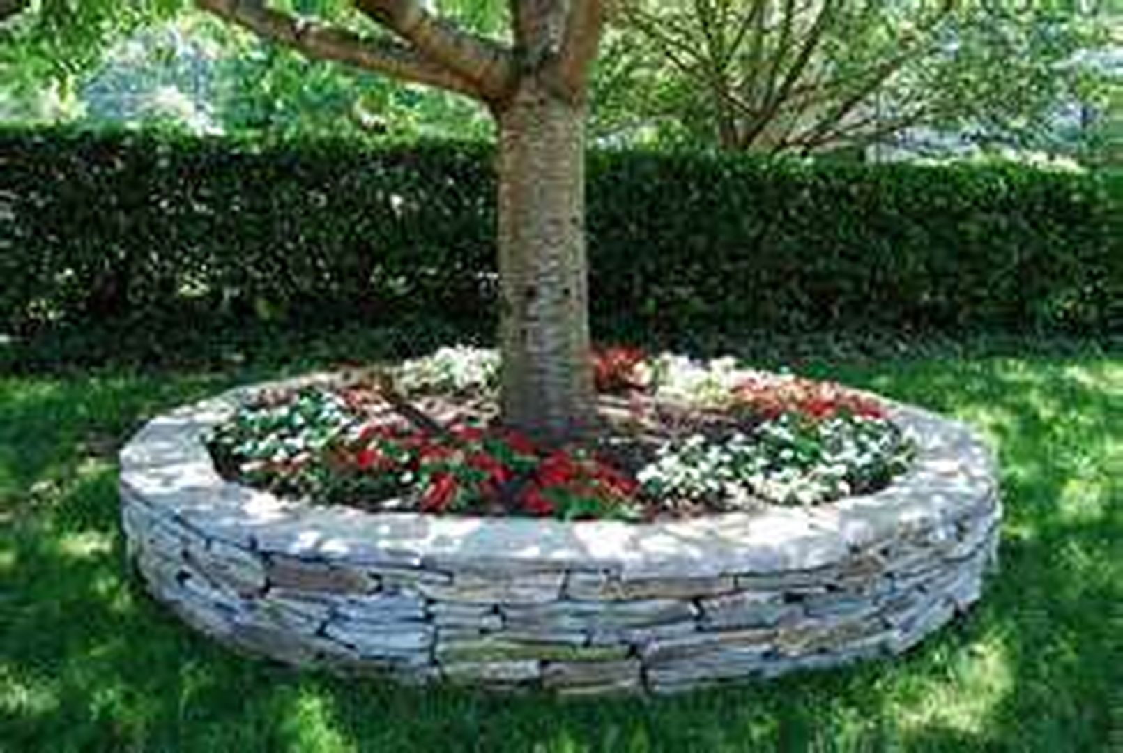 Beautiful raised flower bed stone border 19 em 2020