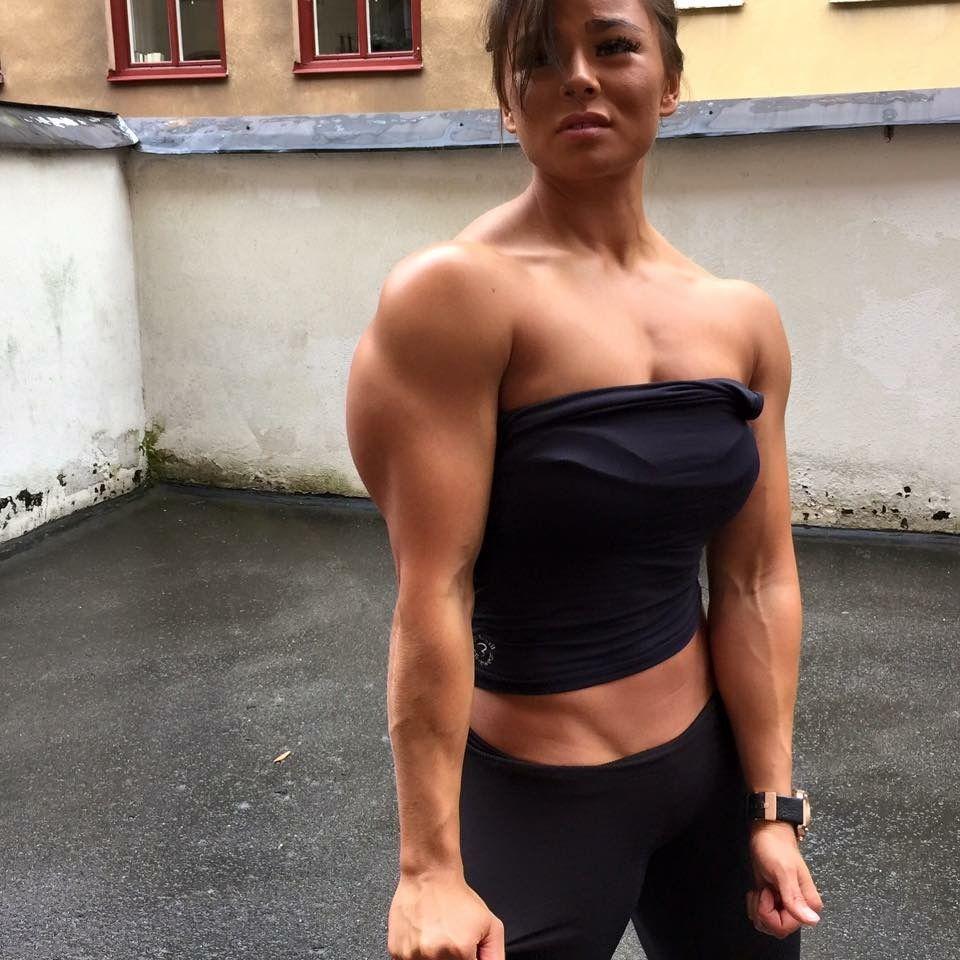 Tan womens fitness hardcore