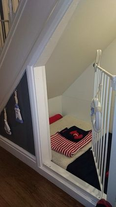 Dog Bed Under Stair Dog Bed Dog Cave With Images Dog Rooms