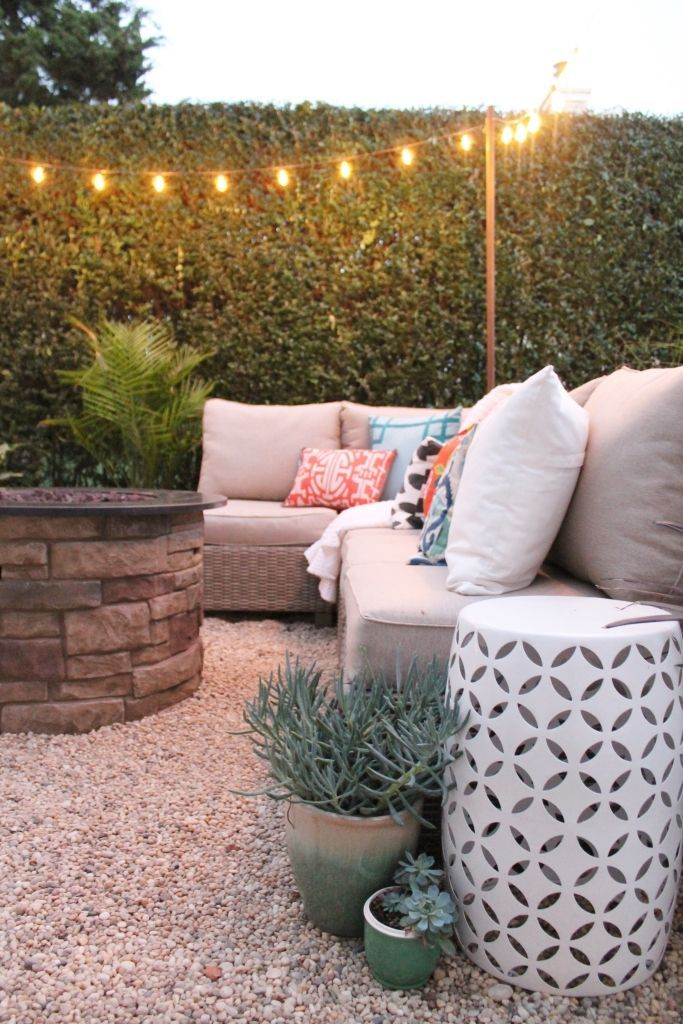 Create a diy pea gravel patio the easy way gravel patio for Garden designs using pebbles