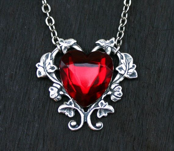 victorian dp necklace style crystal black on heart moon dark pendant silver red chain gothic