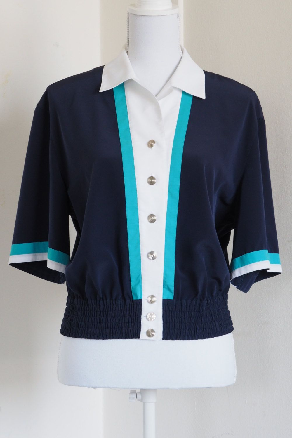 Navy blue Vintage 80's blouse with lovely buttons Size M door 7amVintage op Etsy