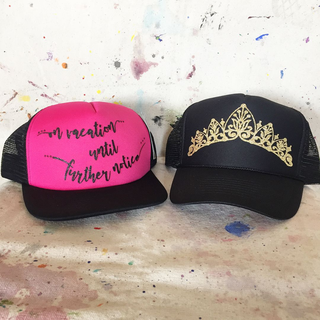 Just for fun! #specialrequest #tiarasfortruckers . . . . . #truckerhat #tiarahat #htv #vinyleverything #glitter #ideastolife #justforfun #mothertrucker #hillbillyfashion #princess #socallifestyle #customhats #madewithlove #bybirdwithlove