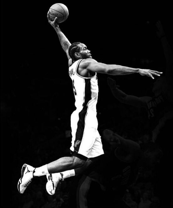 Knight Basketball Player Wallpaper: Kawhi Leonard Dunk