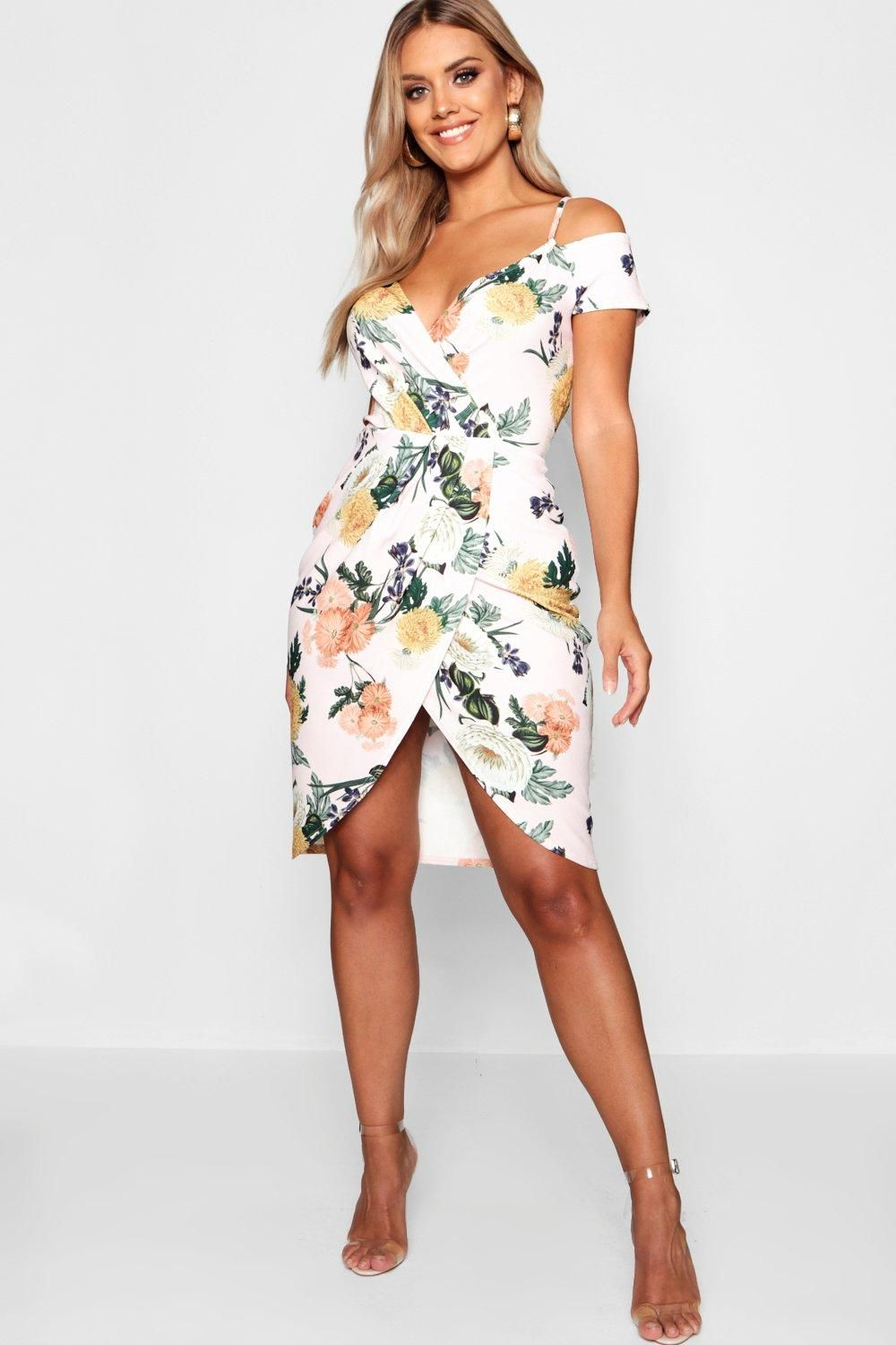 df2d960c5af Click here to find out about the Plus Floral Cold Shoulder Wrap Midi Dress  from Boohoo