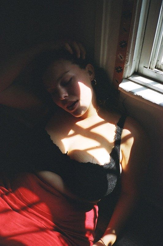 Myla Dalbesios Body Measurements Including Breasts