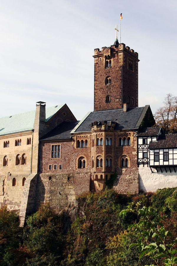 Die 16 Schonsten Schlosser Und Burgen Deutschlands Skyscanner Deutschland Burg Hauser Burg Urlaub In Deutschland