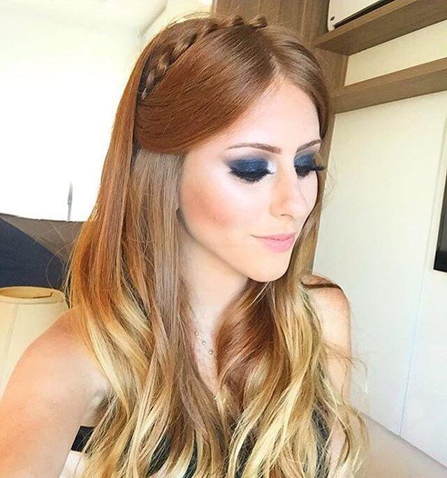 ¿Qué les parece ese look para esta noche?, Si tienes una boda, fiesta o simplemente quieres lucir espectacular hoy por la noche.  En @uptherunway puedes contar con un equipo altamente calificado, que te harán sentir especial.  Haz tu cita llamando 829-544-7083/829-259-7452.  Foto:@marimariamakeup  #makeupideas #makeuptips #uptherunway #uptherunwayrd #hair  #style #makeuplooks #makeuplovers