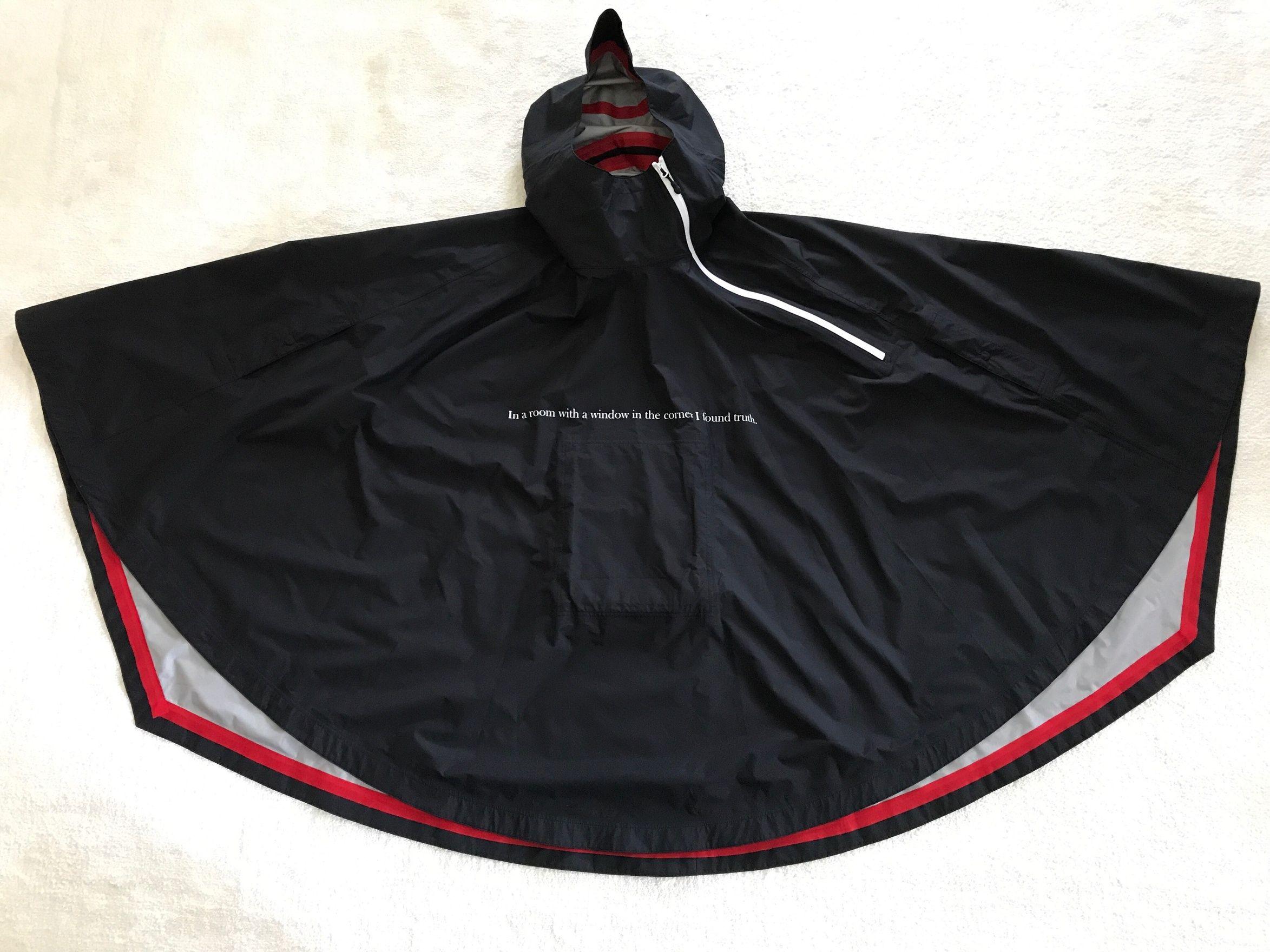 b9690b2f6aa7 Undercover Greatest Cloak Size US L   EU 52-54   3 - 1