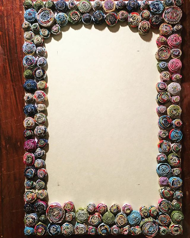 DIY Recycle Magazines Photo Frame Circle Art with Newspaper Gift Art ...
