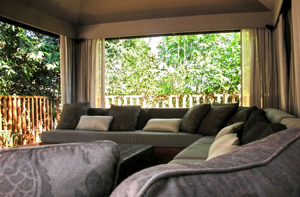 http://schoos.com/#    Bel Air Estate outdoor couch