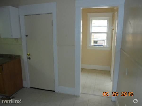 221 Shelter St Rochester Ny 14611 Condo For Rent In Rochester Ny With Images Condos For Rent Shelter Apartments For Rent
