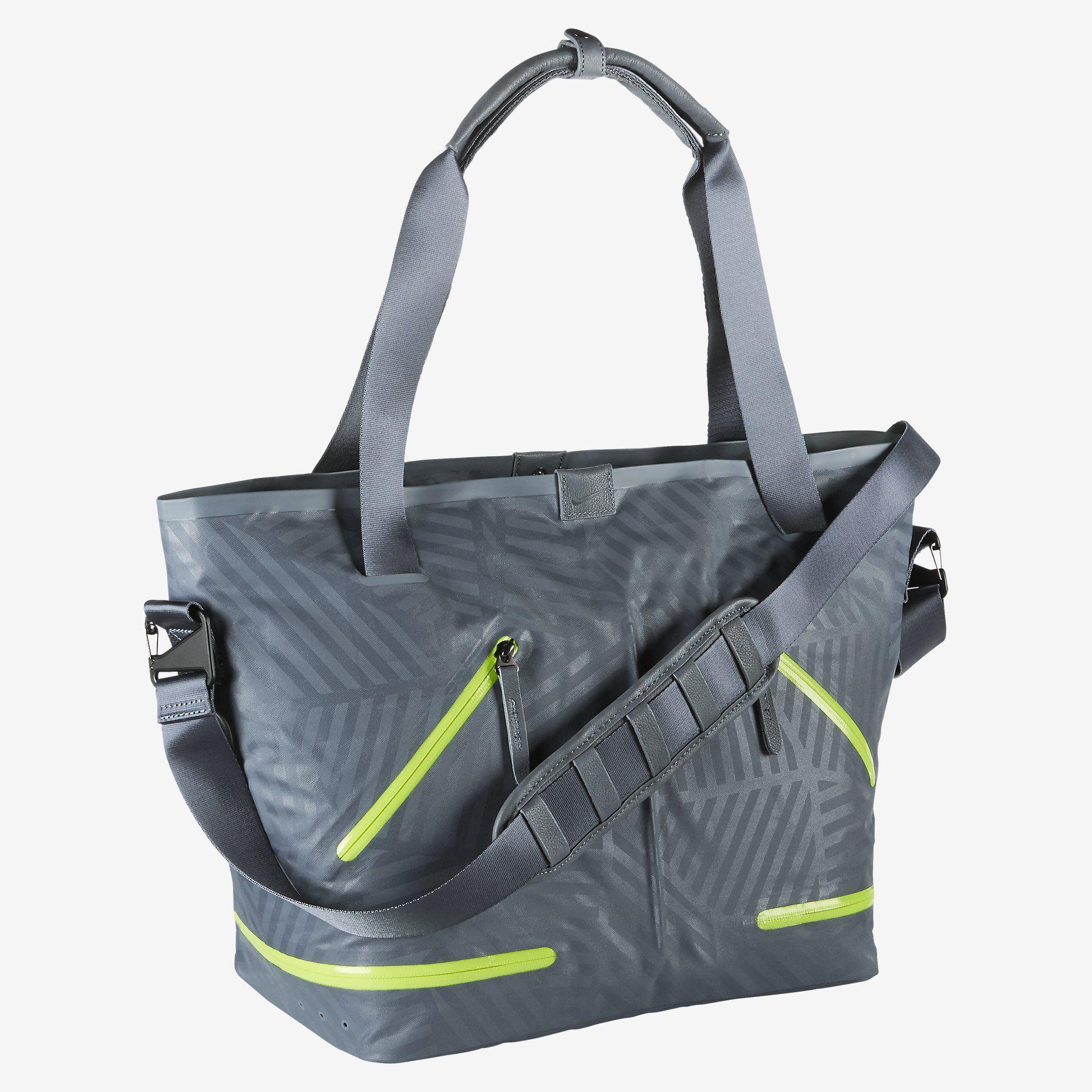 f7db107567441 Nike FormFlux Tote Bag. Nike Store   175 Gym Bag Boys