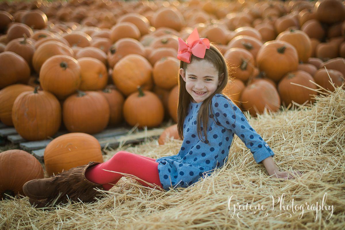 Pumpkin Patch Mini Session in New Braunfels, Texas   New Braunfels Children's Photographer