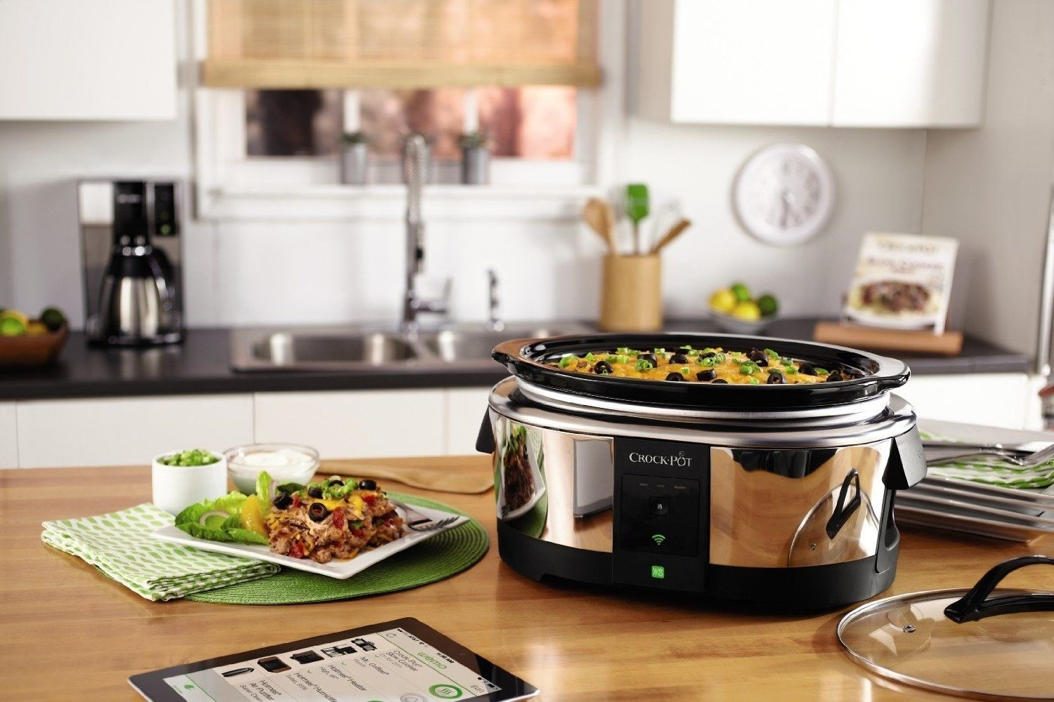 This wifi enabled slower cooker thatus adjustable via an app in