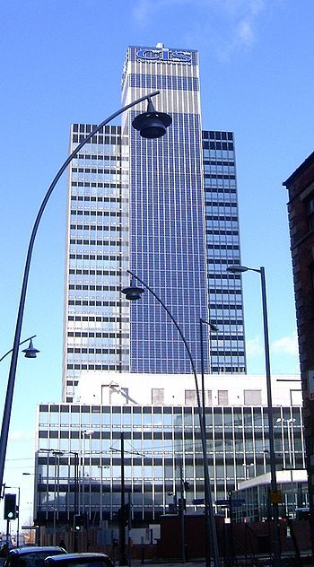 CIS Tower, Manchester - Solar prices set to fall 33% - Santa Monica says for every home and office, a solar power plant