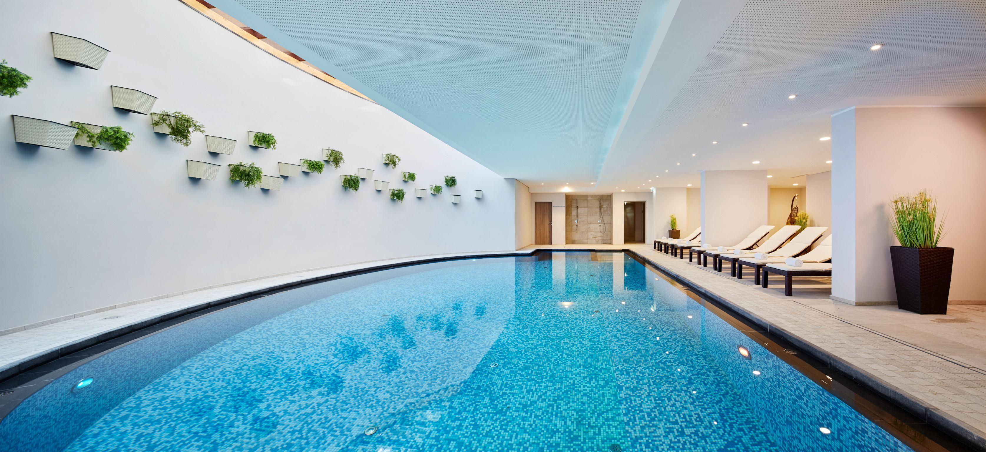 20 tolle swimmingpool designs in geometrischen formen | menerima, Gartengerate ideen