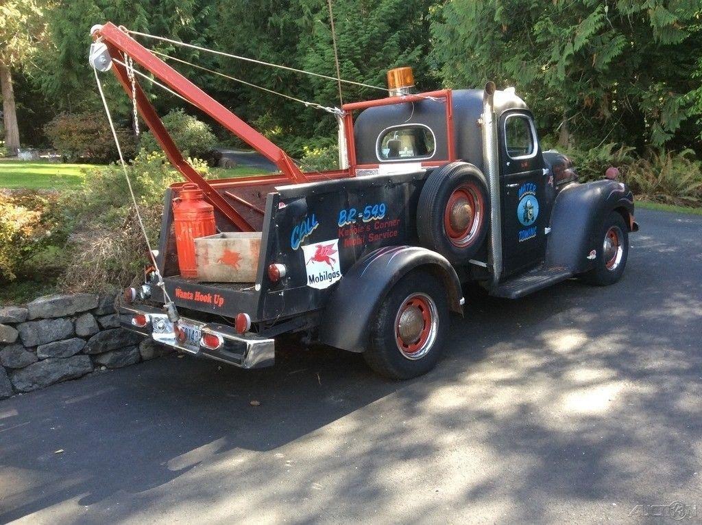 1948 International Harvester Kb1 Tow Truck Tow Trucks Pinterest
