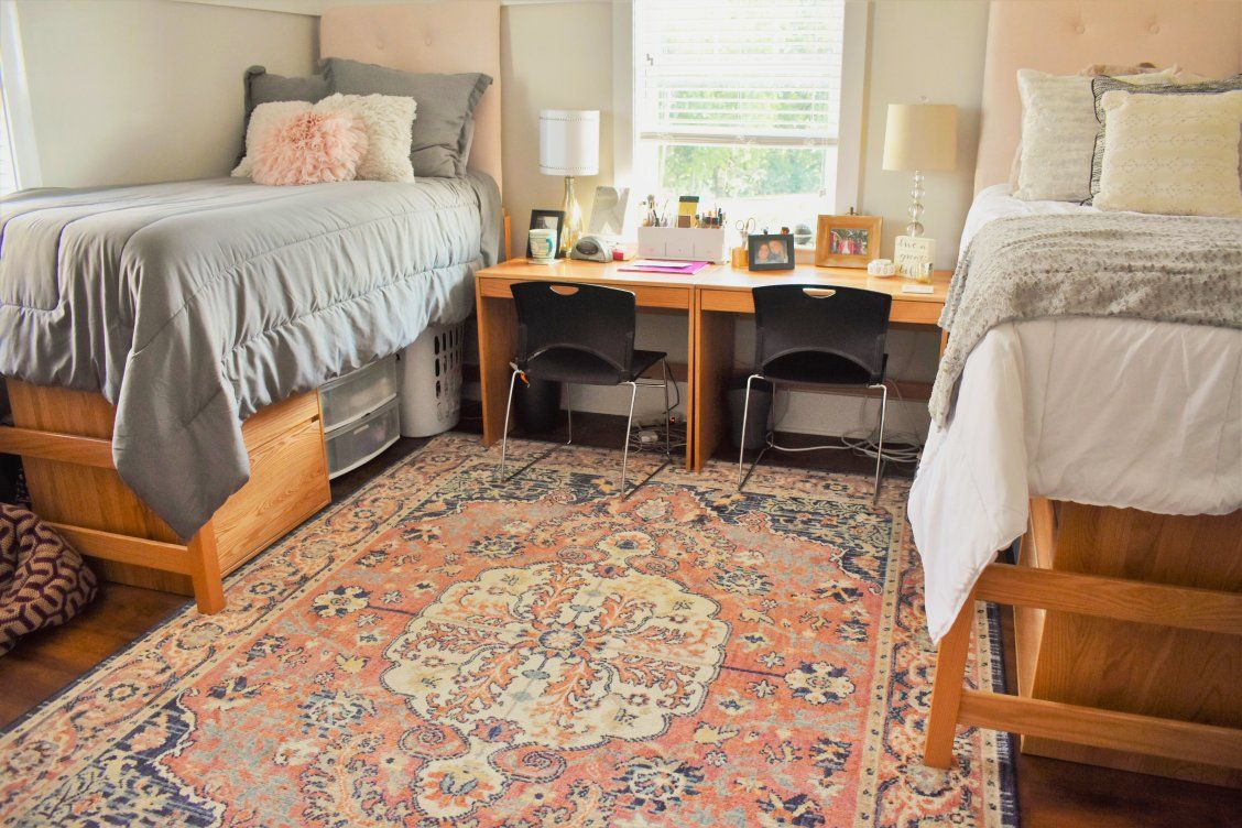 Beautiful Area Rugs Were Used In The Delta Zeta Sorority House At The University Of Tennessee Chattanooga Sorority House Sorority House Decor Sorority Bedroom