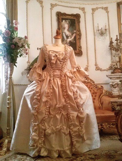 milianda:    Robe a la francaise  dress by Duchess Milianda