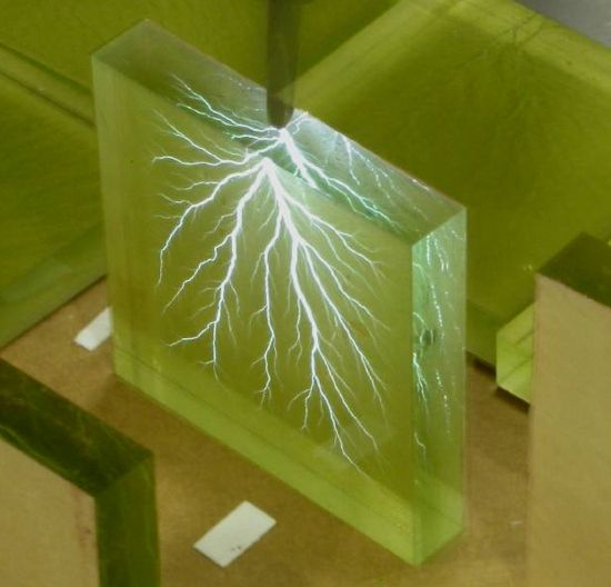 These sculptures were made by blasting a block of acrylic with a 5million volt particle accelerator. The effect on the material is as if a lightning flash has been frozen in time, a process that sculptor Bert Hickman calls 'Captured Lightning'. #wishlist