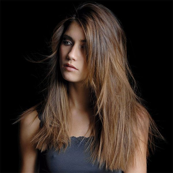 Coiffure femme cheveux long raide Hair & Beauty