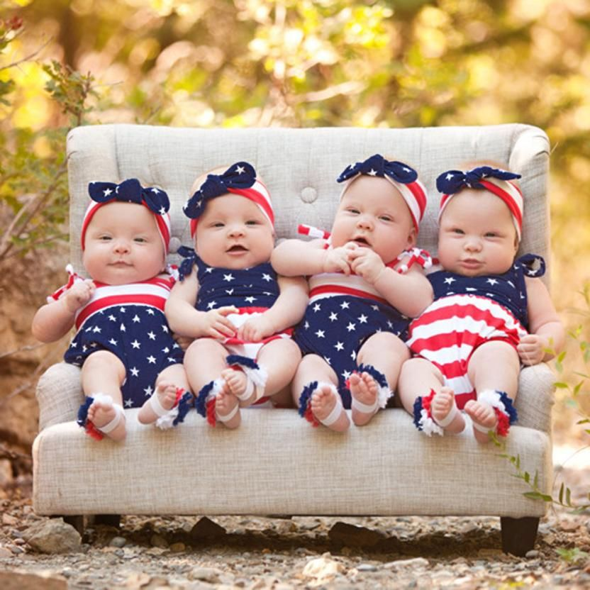 cf908ad09304 Newborn Twin Baby Bodysuit Boy Girl 4th Of July Stars and Stripes Cute  Twins Baby Clothes Roupas Recem-Nascido