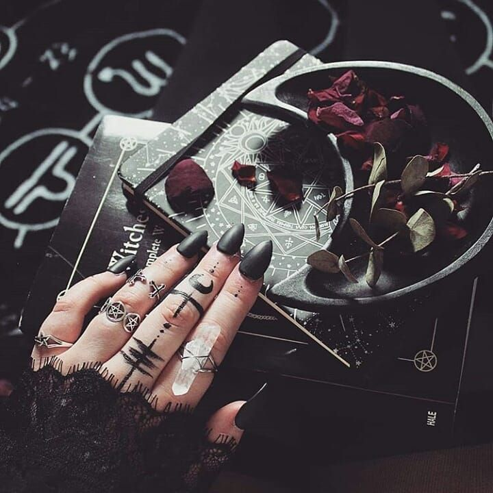 Witch Details Iwaishi94 Nails Rings Aesthetics Aesthetic Instagoth Spell Spellwork Witch W Witch Aesthetic Witch Magic Witchy Vibes