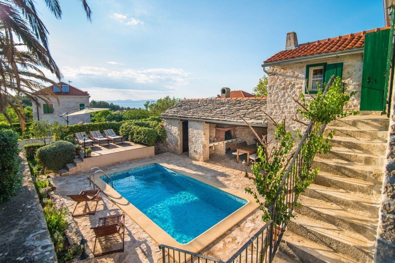 Ferienhaus Mirca mit Pool & Meerblick Brač, Kroatische