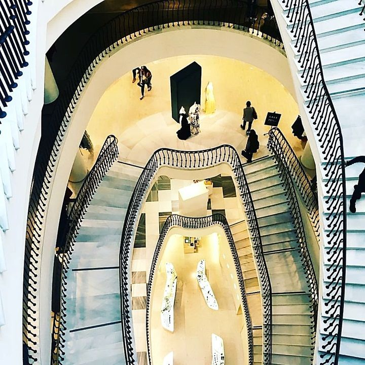 Map Usa Los Angeles%0A CA  u     Staircase at the Barneys New York  Beverly Hills department store   Beverly Hills  Los Angeles county  California  USA  It u    s located at       Wilshire